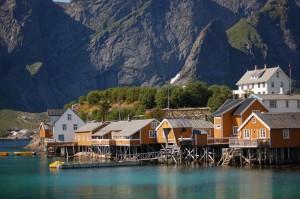 Norge, Lofoten Pittoreska hus på pålar