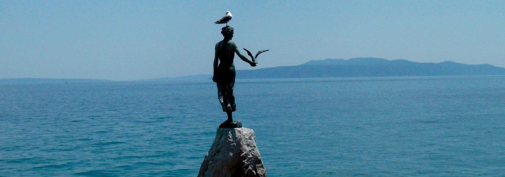 Matka Adrianmerelle, patsas Opatijan rannalla